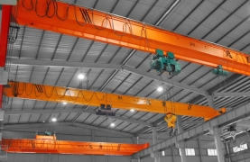 Cranes of various sizes Leaseing